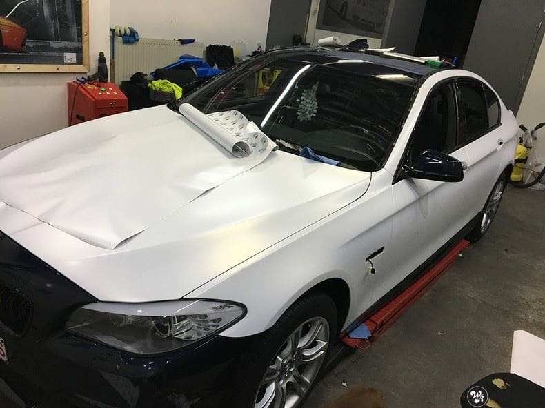 BMW F10 Satin frozen vanilla, Carwrapping door Wrapmyride.nu Foto-nr:9472, ©2017