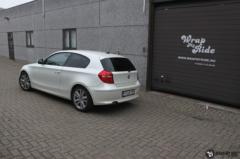 BMW 1-serie 3M Satin Pearl White, Carwrapping door Wrapmyride.nu Foto-nr:9052, ©2017