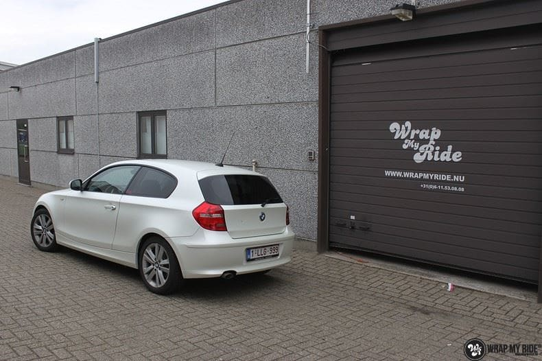 BMW 1-serie 3M Satin Pearl White, Carwrapping door Wrapmyride.nu Foto-nr:9041, ©2017