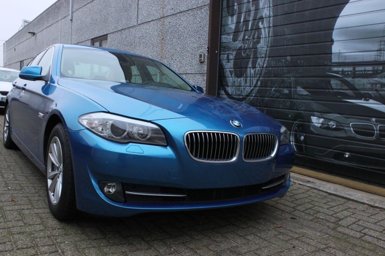 BMW F10 gloss bleu metallic, Carwrapping door Wrapmyride.nu Foto-nr:9505, ©2018