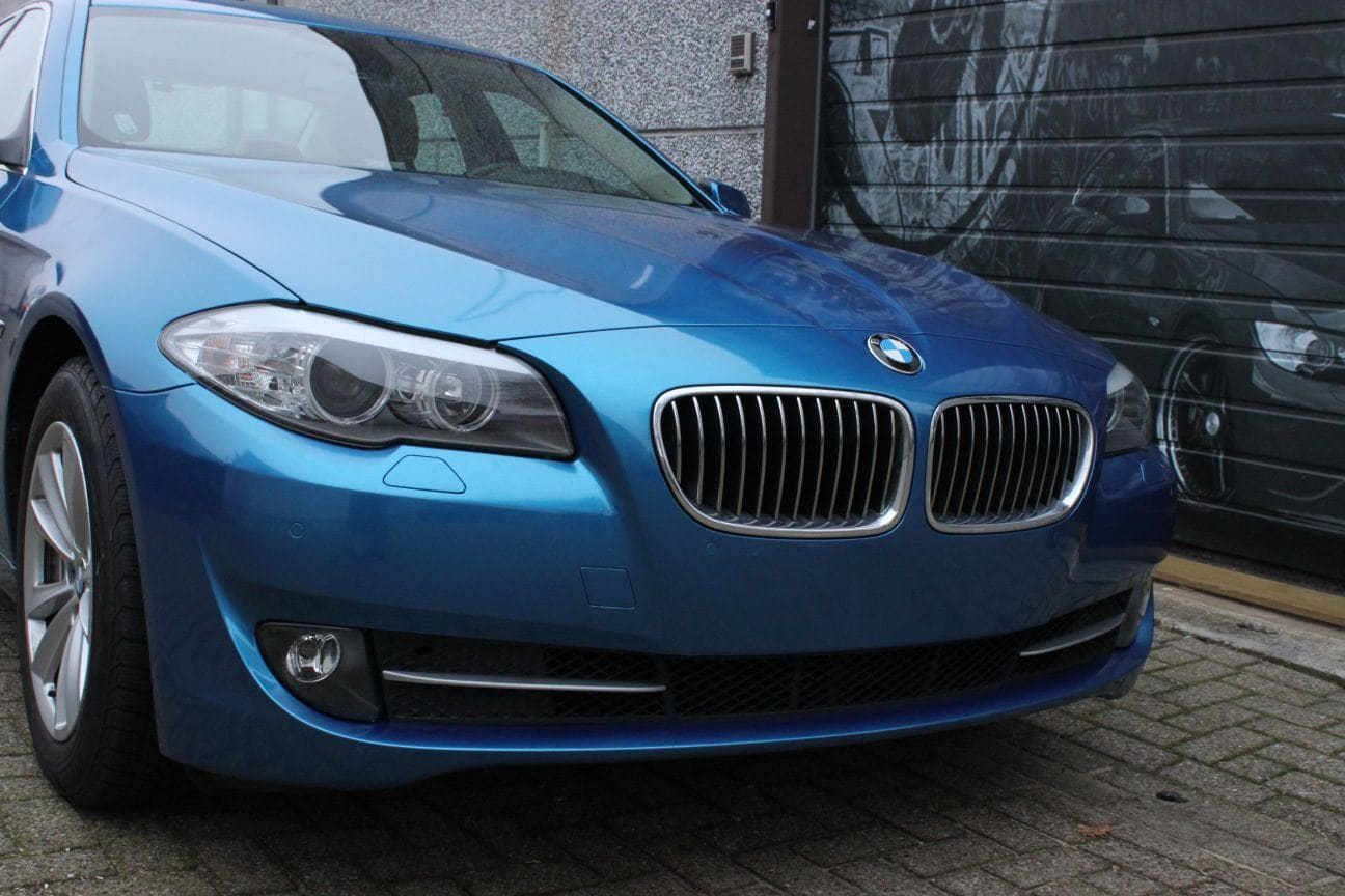 BMW F10 gloss bleu metallic, Carwrapping door Wrapmyride.nu Foto-nr:9504, ©2018