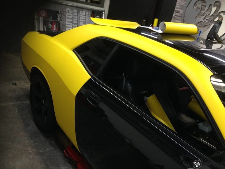 Dodge Challenger matte yellow, Carwrapping door Wrapmyride.nu Foto-nr:8488, ©2017