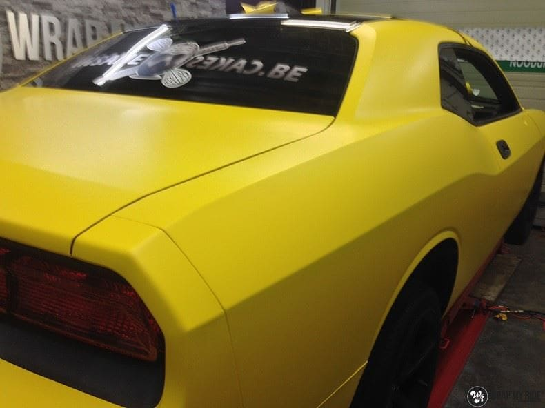 Dodge Challenger matte yellow, Carwrapping door Wrapmyride.nu Foto-nr:8485, ©2017