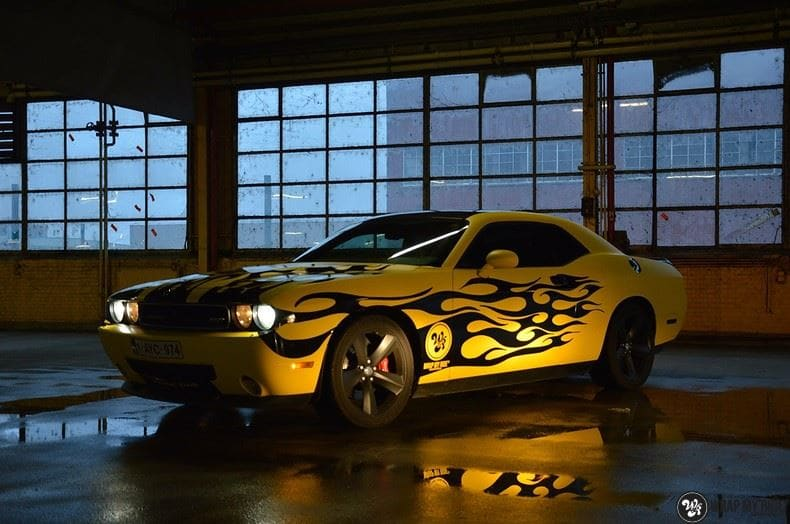 Dodge Challenger matte yellow, Carwrapping door Wrapmyride.nu Foto-nr:8480, ©2017