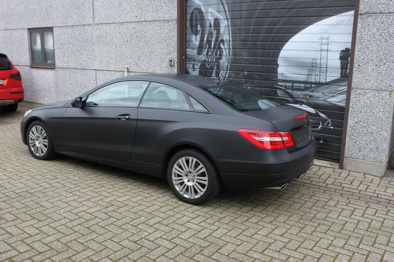Mercedes E-coupe mat zwart, Carwrapping door Wrapmyride.nu Foto-nr:9326, ©2017