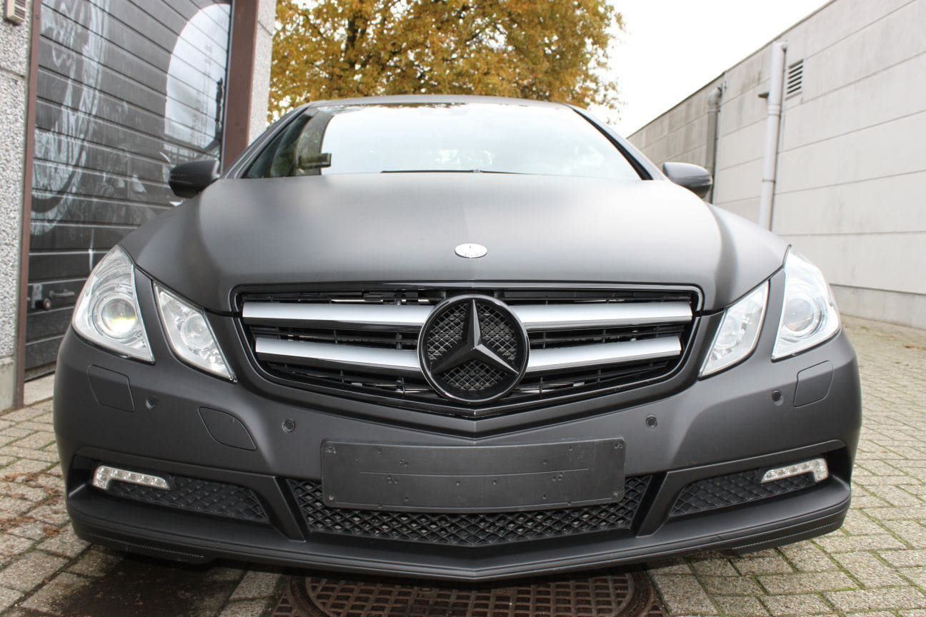 Mercedes E-coupe mat zwart, Carwrapping door Wrapmyride.nu Foto-nr:9329, ©2017