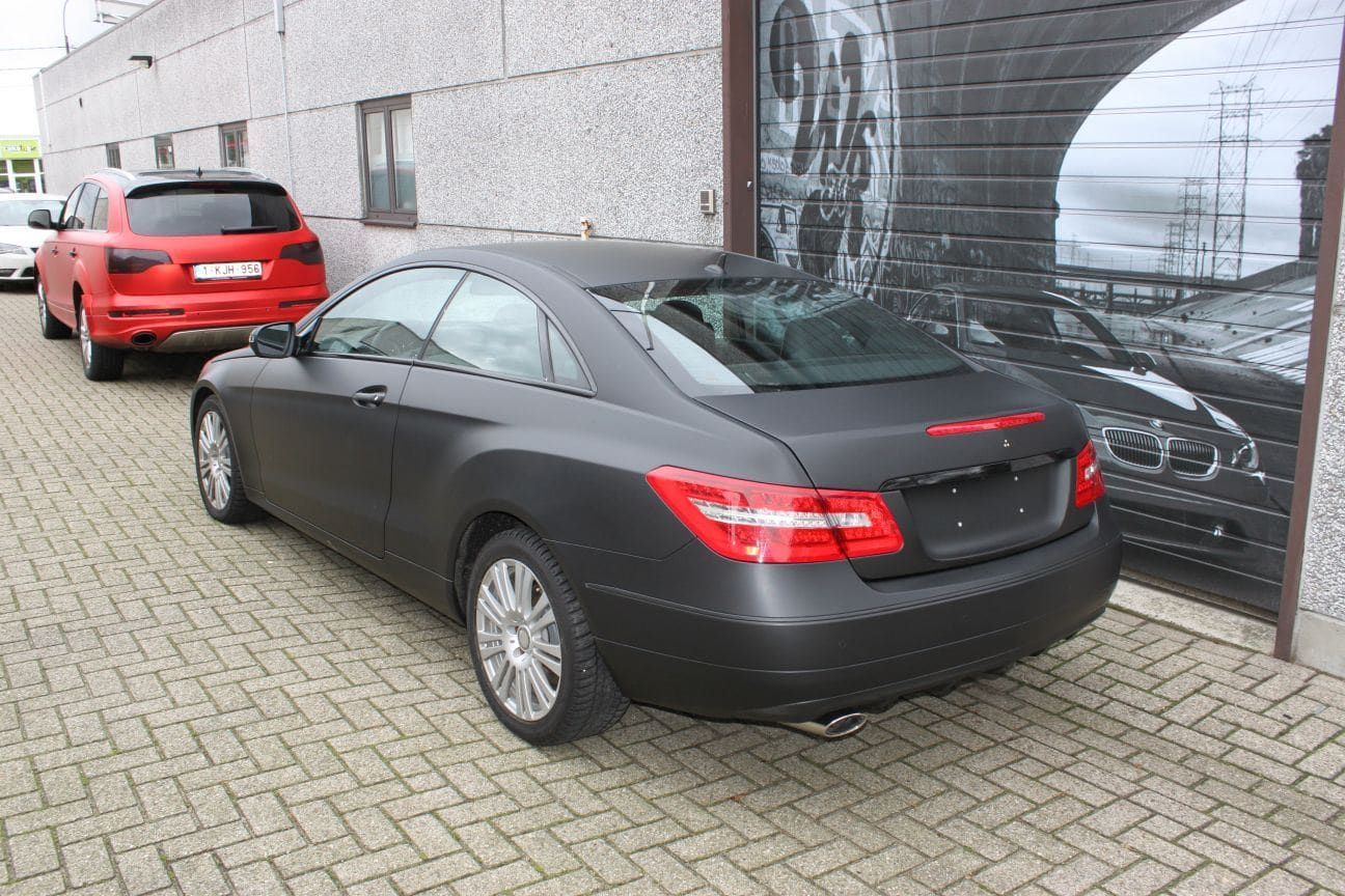 Mercedes E-coupe mat zwart, Carwrapping door Wrapmyride.nu Foto-nr:9338, ©2017