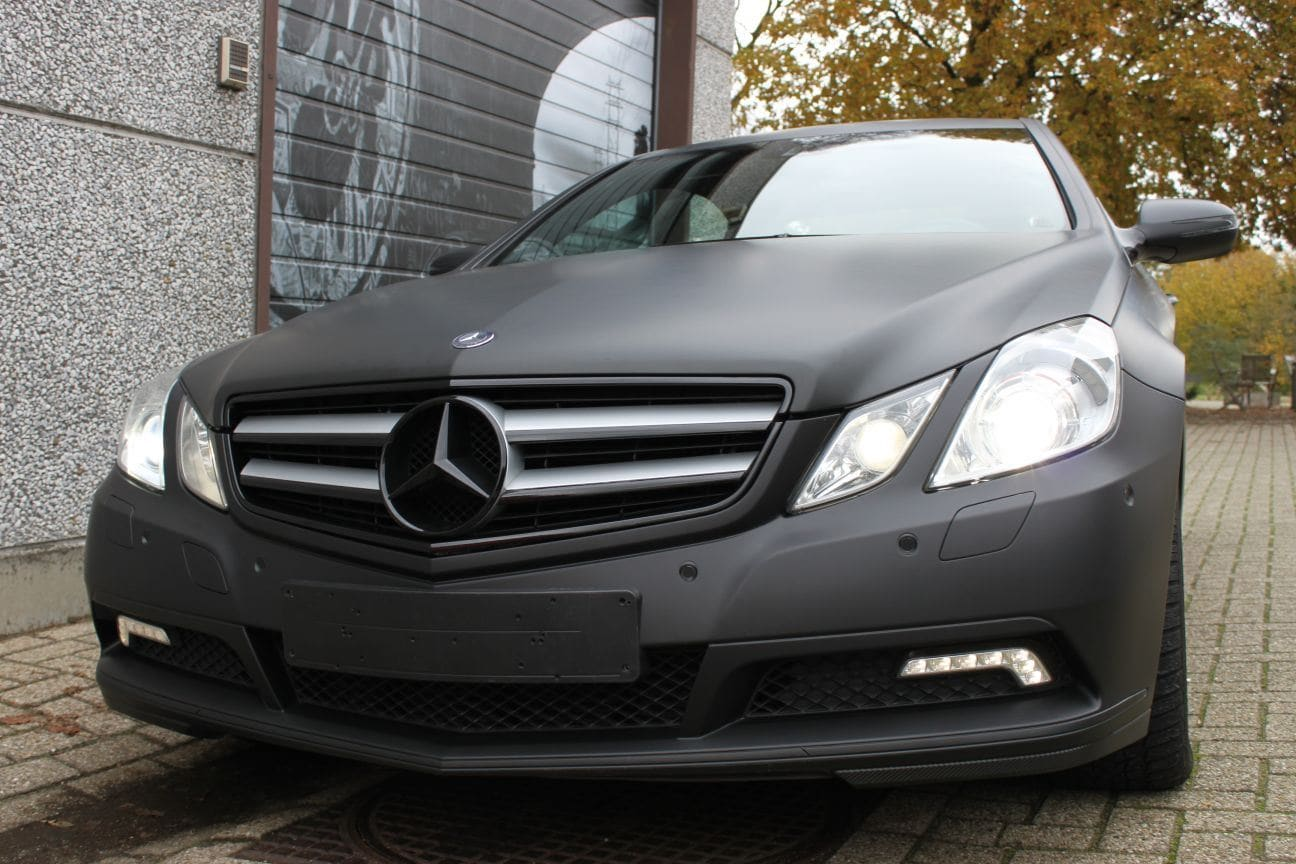 Mercedes E-coupe mat zwart, Carwrapping door Wrapmyride.nu Foto-nr:9340, ©2017