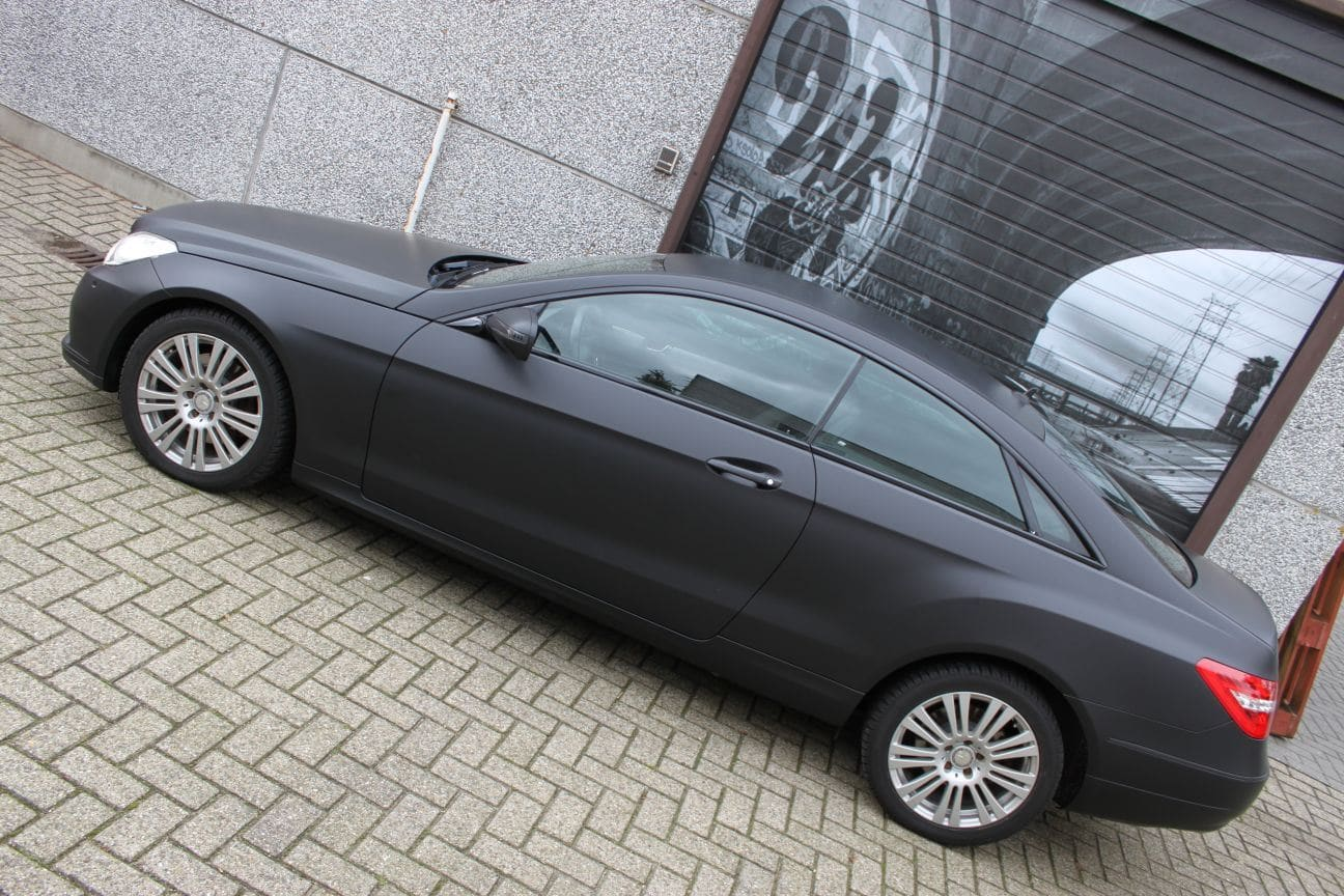 Mercedes E-coupe mat zwart, Carwrapping door Wrapmyride.nu Foto-nr:9342, ©2017
