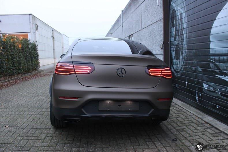 Mercedes GLC matte metallic brown, Carwrapping door Wrapmyride.nu Foto-nr:9536, ©2018
