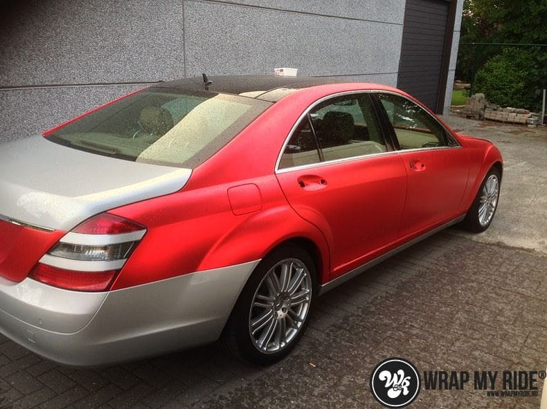 Mercedes S limousine mat rood chrome, Carwrapping door Wrapmyride.nu Foto-nr:7929, ©2017