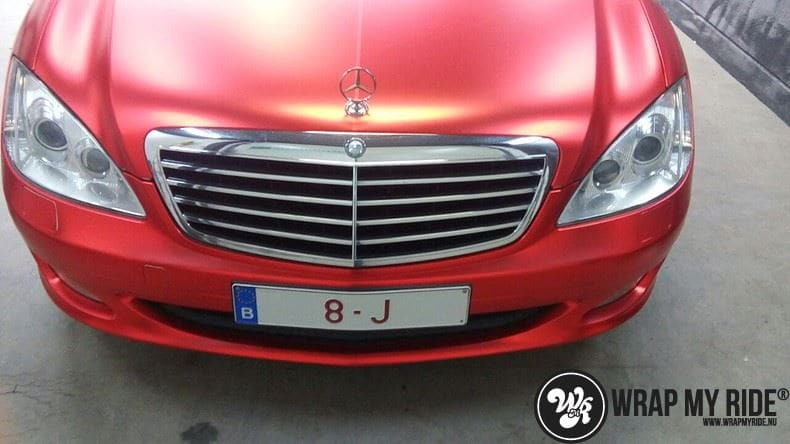 Mercedes S limousine mat rood chrome, Carwrapping door Wrapmyride.nu Foto-nr:7931, ©2017
