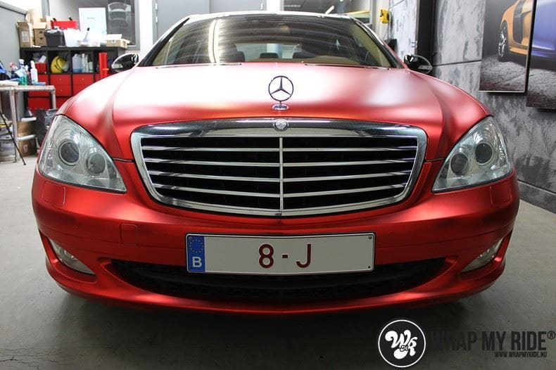 Mercedes S limousine mat rood chrome, Carwrapping door Wrapmyride.nu Foto-nr:7936, ©2017