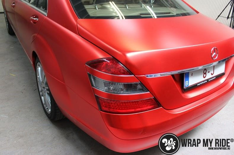 Mercedes S limousine mat rood chrome, Carwrapping door Wrapmyride.nu Foto-nr:7939, ©2017