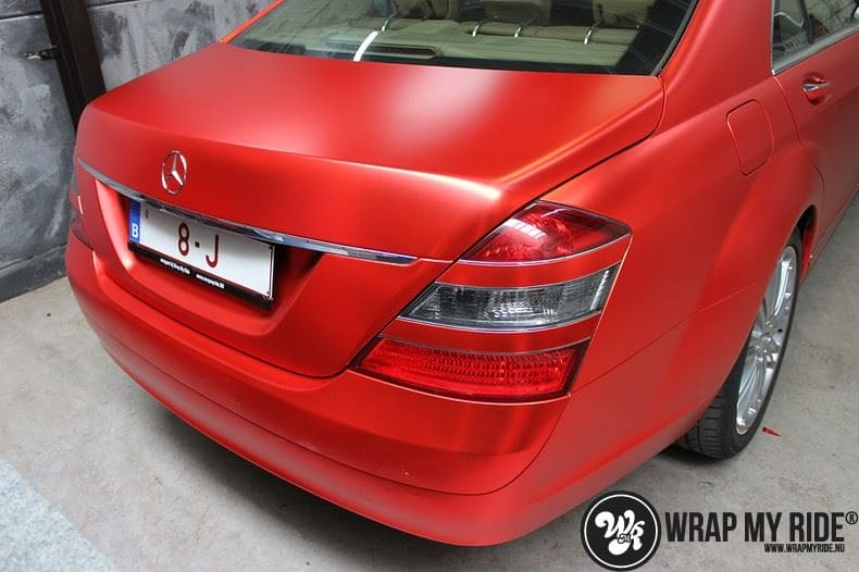 Mercedes S limousine mat rood chrome, Carwrapping door Wrapmyride.nu Foto-nr:7940, ©2017