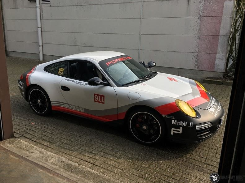 Porsche 911 RSR look, Carwrapping door Wrapmyride.nu Foto-nr:9807, ©2017