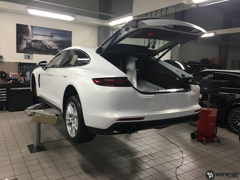 Porsche Panamera 4S Satin Frozen Vanilla, Carwrapping door Wrapmyride.nu Foto-nr:10535, ©2018