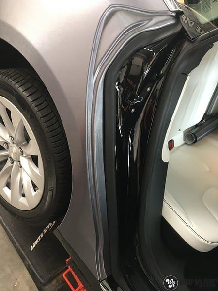 Tesla Model S brushed steel, Carwrapping door Wrapmyride.nu Foto-nr:9964, ©2017