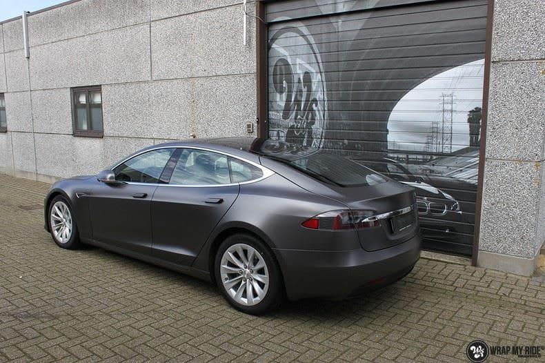 Tesla Model S Satin Dark Grey, Carwrapping door Wrapmyride.nu Foto-nr:9591, ©2017
