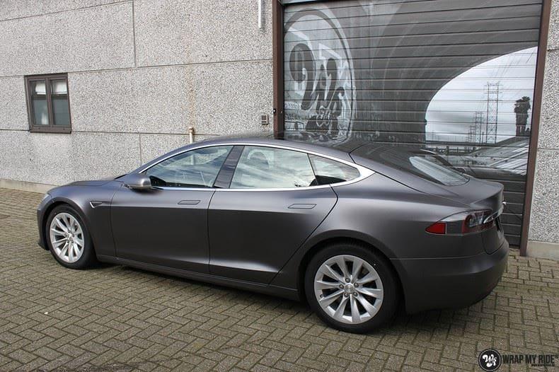 Tesla Model S Satin Dark Grey, Carwrapping door Wrapmyride.nu Foto-nr:9582, ©2017