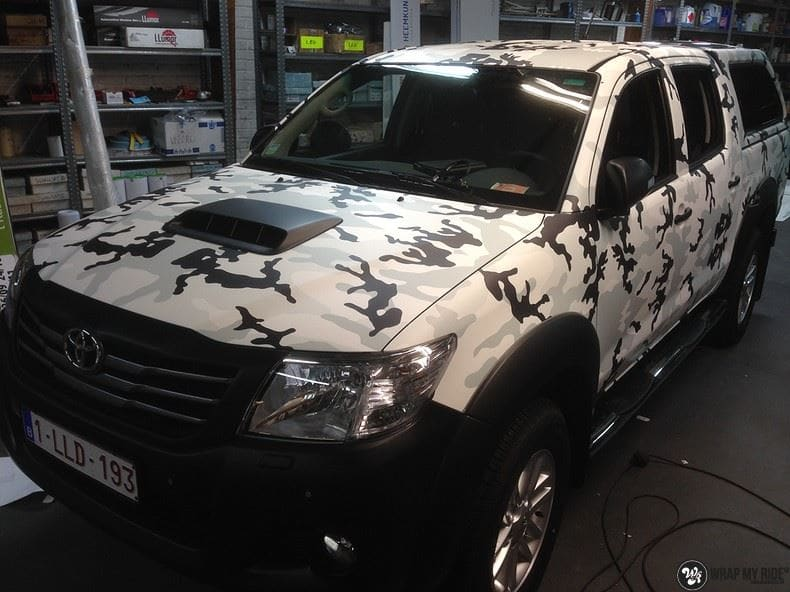 Toyota Hillux camo print, Carwrapping door Wrapmyride.nu Foto-nr:8502, ©2017
