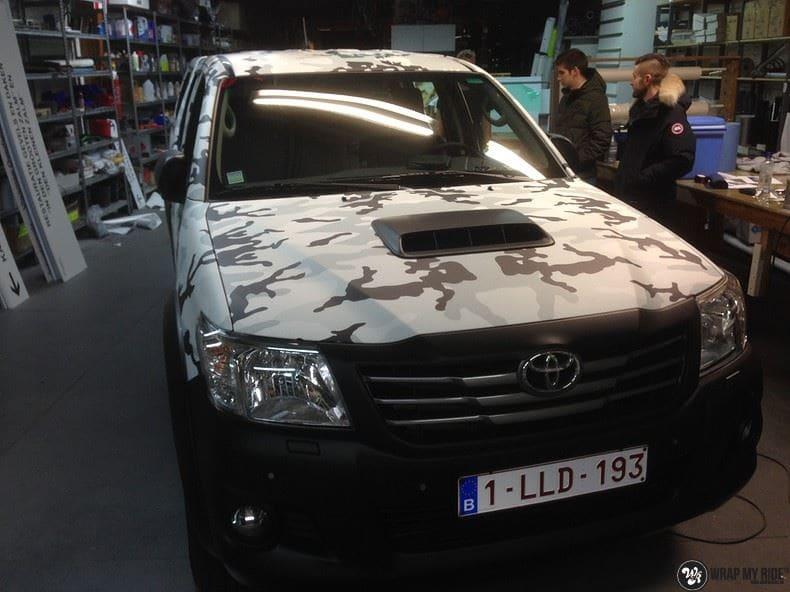 Toyota Hillux camo print, Carwrapping door Wrapmyride.nu Foto-nr:8501, ©2017