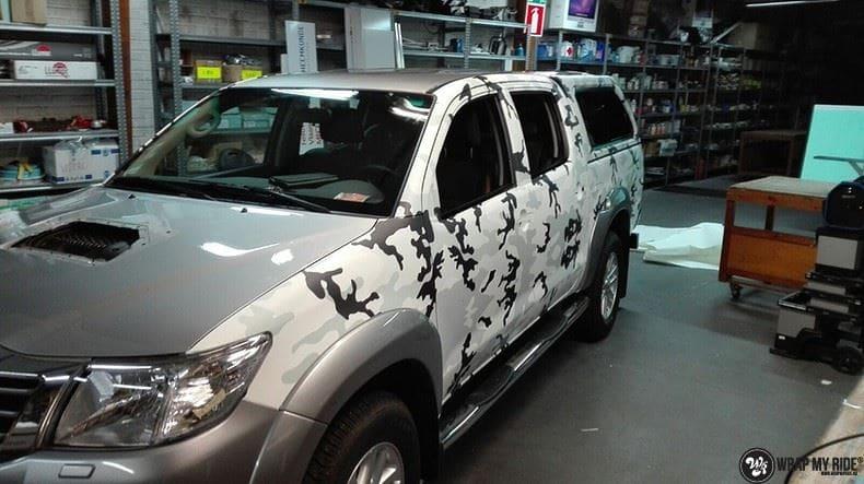Toyota Hillux camo print, Carwrapping door Wrapmyride.nu Foto-nr:8492, ©2017