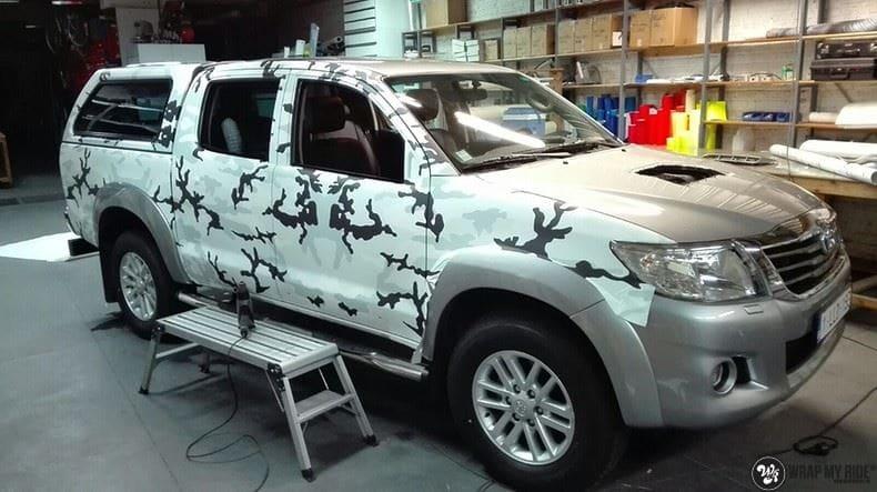 Toyota Hillux camo print, Carwrapping door Wrapmyride.nu Foto-nr:8491, ©2017