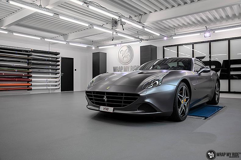 Ferrari California satin dark grey, Carwrapping door Wrapmyride.nu Foto-nr:13832, ©2020