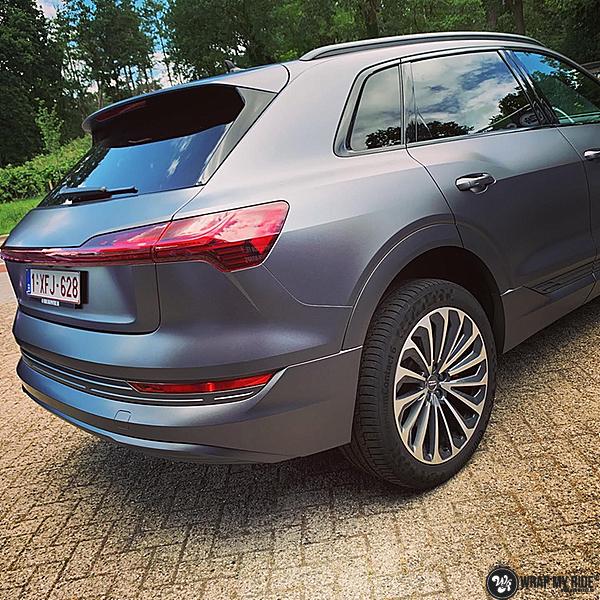 Audi E-tron satin dark grey, Carwrapping door Wrapmyride.nu Foto-nr:13565, ©2021