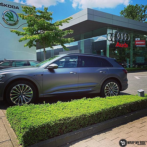 Audi E-tron satin dark grey, Carwrapping door Wrapmyride.nu Foto-nr:13561, ©2021
