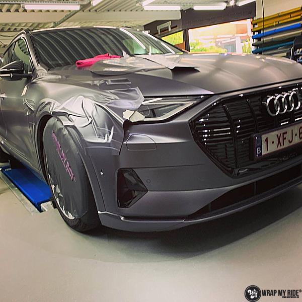 Audi E-tron satin dark grey, Carwrapping door Wrapmyride.nu Foto-nr:13562, ©2021