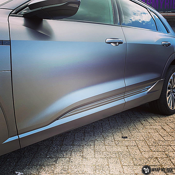 Audi E-tron satin dark grey, Carwrapping door Wrapmyride.nu Foto-nr:13563, ©2021