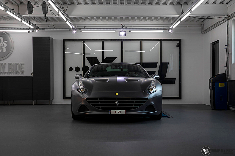 Ferrari California satin dark grey, Carwrapping door Wrapmyride.nu Foto-nr:13840, ©2020