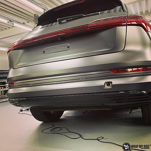 Audi E-tron satin dark grey, Carwrapping door Wrapmyride.nu Foto-nr:13566, ©2021