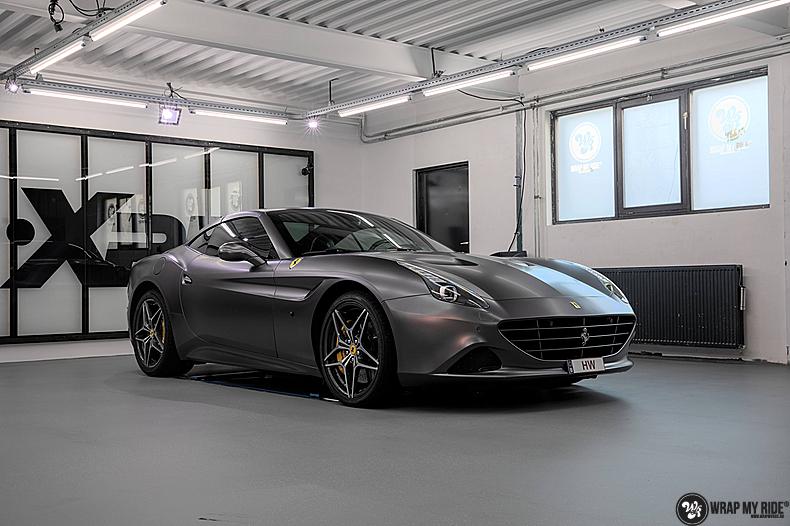 Ferrari California satin dark grey, Carwrapping door Wrapmyride.nu Foto-nr:13844, ©2020
