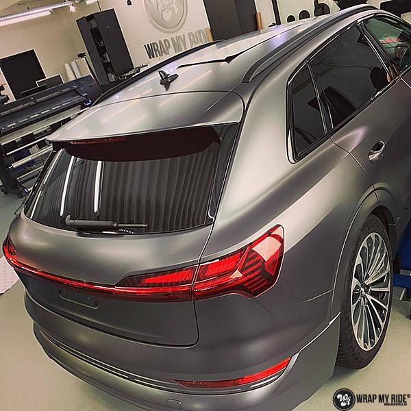 Audi E-tron satin dark grey, Carwrapping door Wrapmyride.nu Foto-nr:13569, ©2021