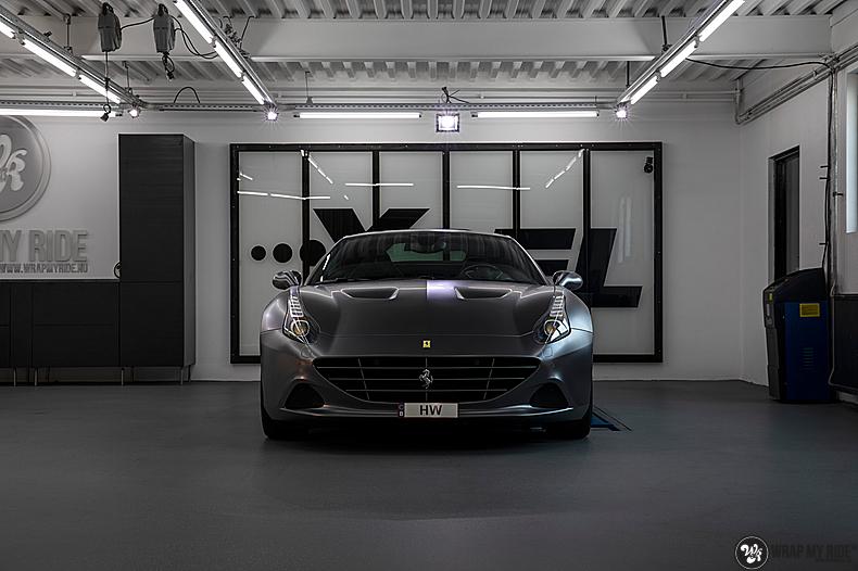 Ferrari California satin dark grey, Carwrapping door Wrapmyride.nu Foto-nr:13833, ©2020