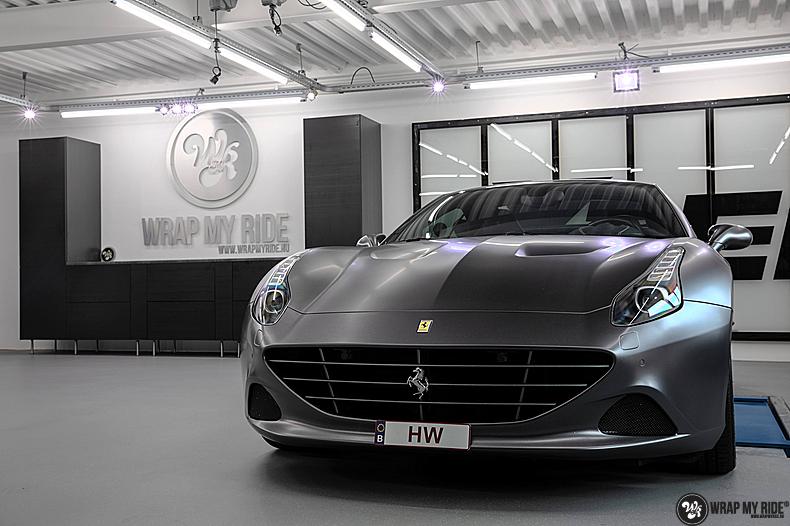 Ferrari California satin dark grey, Carwrapping door Wrapmyride.nu Foto-nr:13848, ©2020