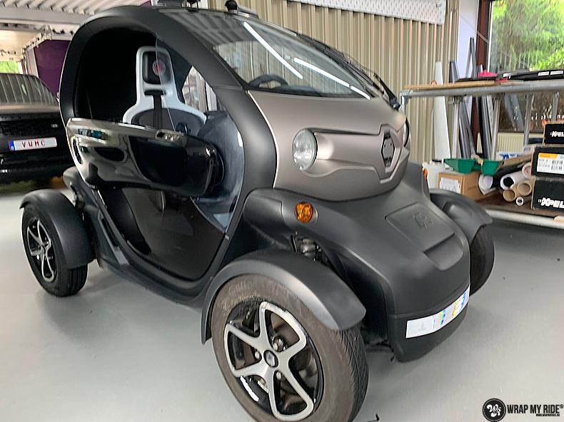 Renault Twizzy matte aluminium grey, Carwrapping door Wrapmyride.nu Foto-nr:13543, ©2021