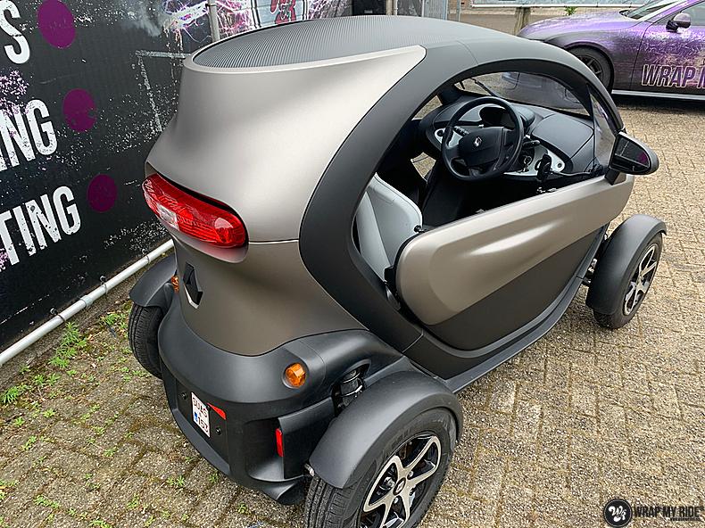 Renault Twizzy matte aluminium grey, Carwrapping door Wrapmyride.nu Foto-nr:13546, ©2021