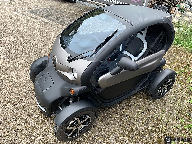 Renault Twizzy matte aluminium grey, Carwrapping door Wrapmyride.nu Foto-nr:13548, ©2021