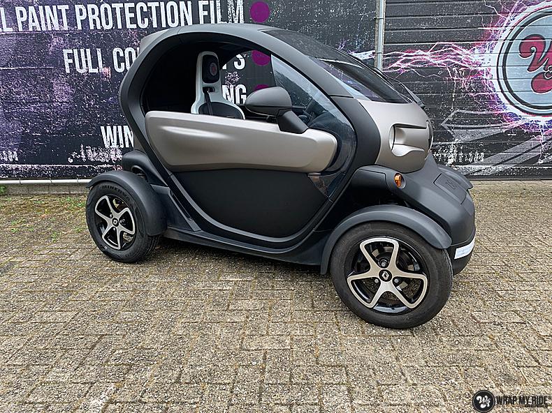 Renault Twizzy matte aluminium grey, Carwrapping door Wrapmyride.nu Foto-nr:13550, ©2021