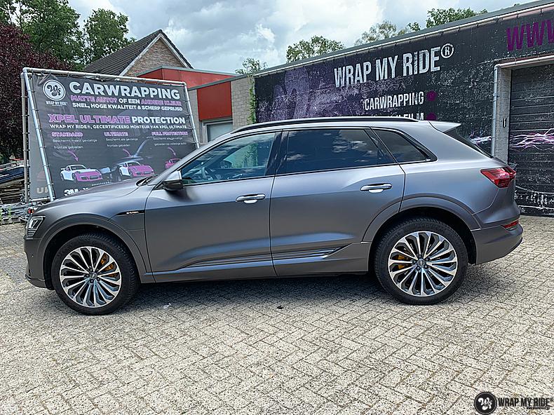 Audi E-tron satin dark grey, Carwrapping door Wrapmyride.nu Foto-nr:13579, ©2021