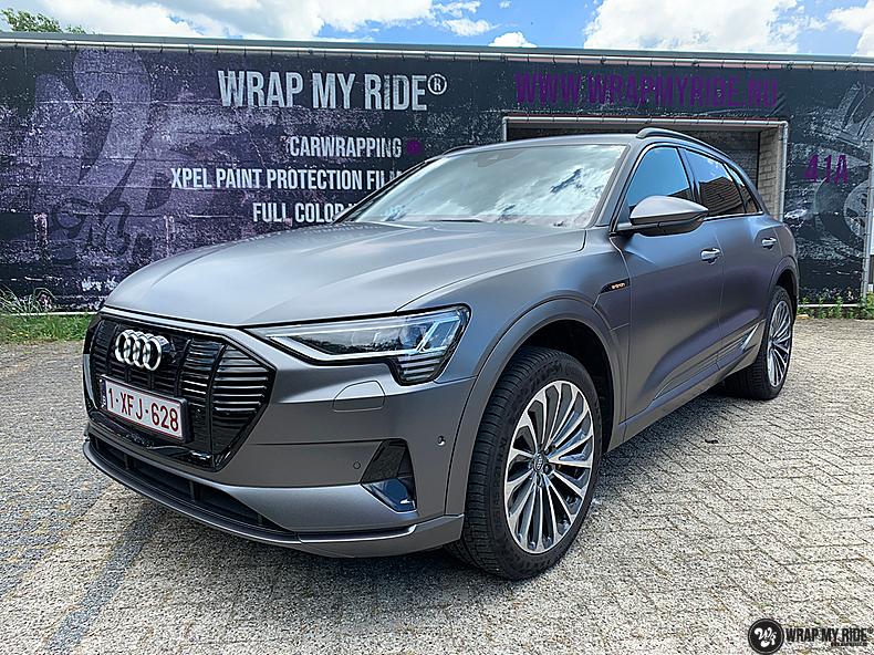 Audi E-tron satin dark grey, Carwrapping door Wrapmyride.nu Foto-nr:13583, ©2021