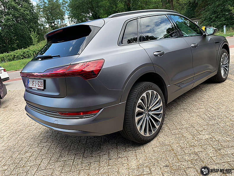 Audi E-tron satin dark grey, Carwrapping door Wrapmyride.nu Foto-nr:13590, ©2020