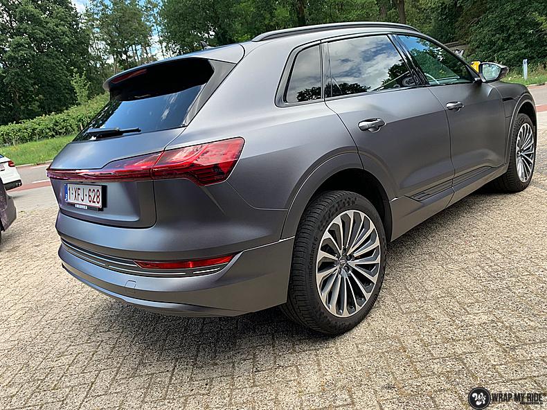 Audi E-tron satin dark grey, Carwrapping door Wrapmyride.nu Foto-nr:13590, ©2021