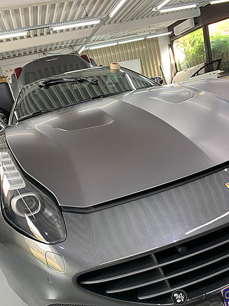 Ferrari California satin dark grey, Carwrapping door Wrapmyride.nu Foto-nr:13849, ©2020