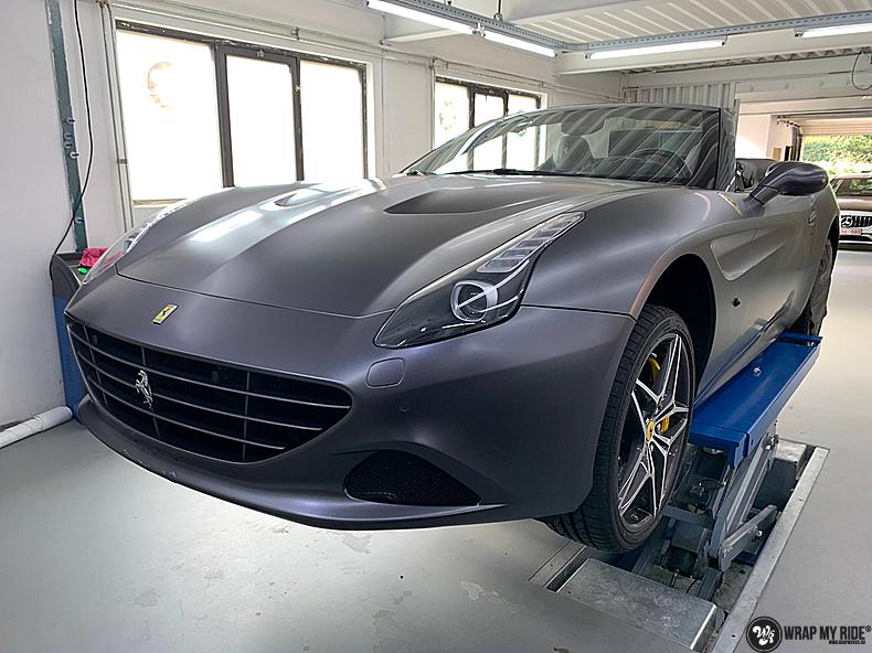 Ferrari California satin dark grey, Carwrapping door Wrapmyride.nu Foto-nr:13857, ©2020