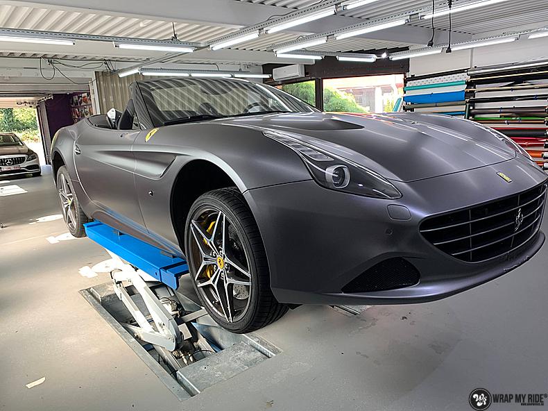 Ferrari California satin dark grey, Carwrapping door Wrapmyride.nu Foto-nr:13858, ©2020